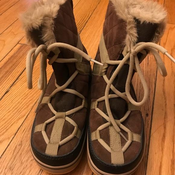 ec68c00d54f Sorrel Glacy Explorer Shortie Boots. M 5be47d36aa87706ce97d6658